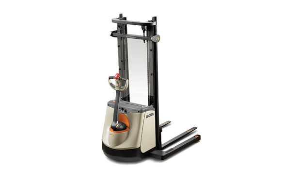 Crown Walkie straddle stacker